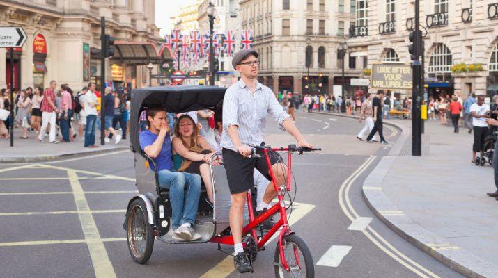 Foto Com?è bella Londra sul risciò
