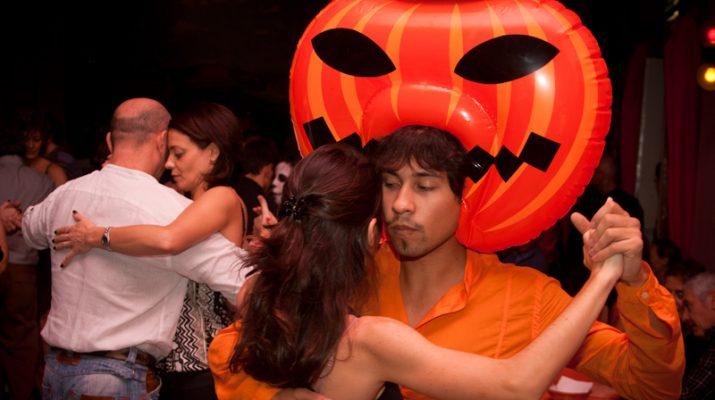 Foto Halloween è alternativo con il Milano Zucca Tango Festival