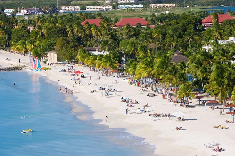 Antigua, mare per tutti i gusti