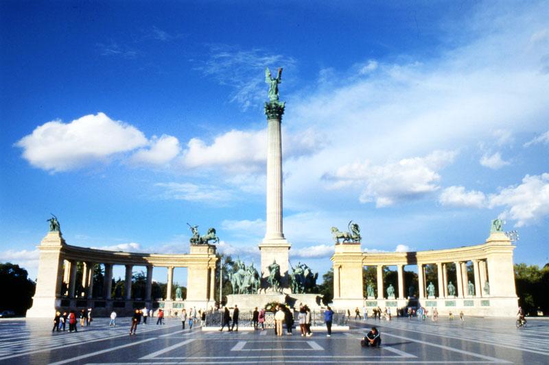 Budapest: un tour contro la crisi