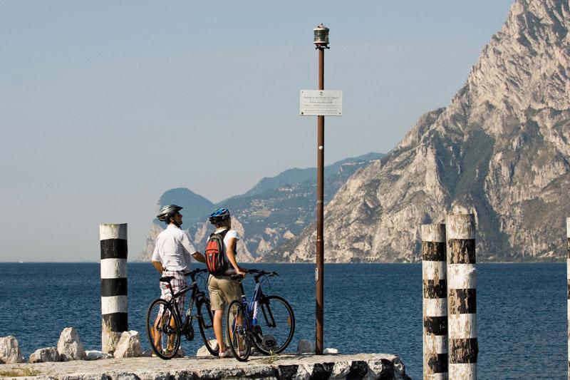 Trentino: vacanze per tutti tra laghi, ciclabili e passeggiate in montagna