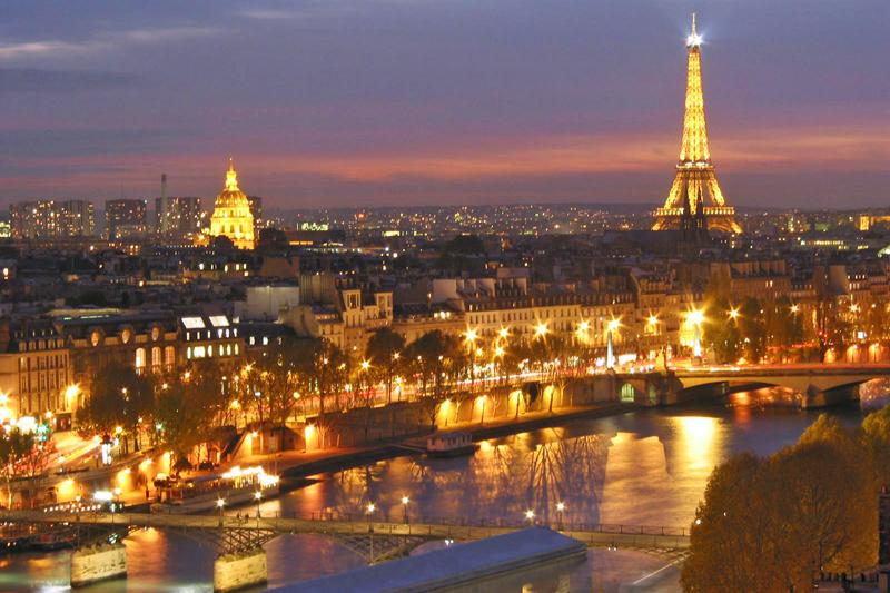 Parigi: tutti svegli per la Notte Bianca