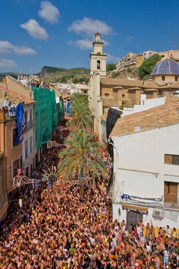 La Tomatina: divertirsi in Spagna a colpi di pomodoro