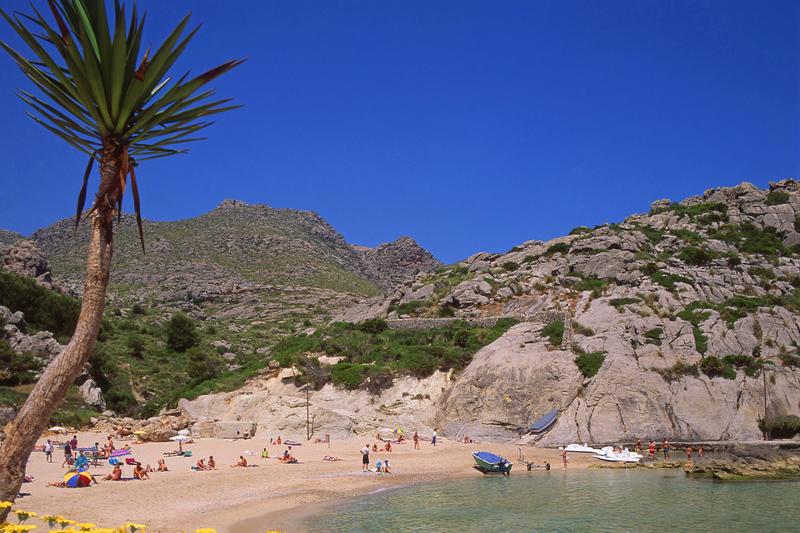 Maiorca spiagge e borghi incantati dove viaggi for Palma de maiorca dove soggiornare
