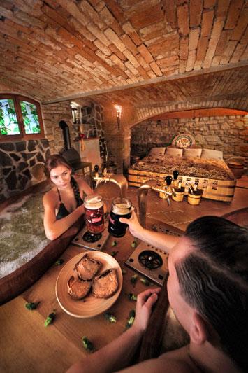 Praga e dintorni fra coccole e relax gallery immagine 3 dove viaggi - Bagno birra praga ...