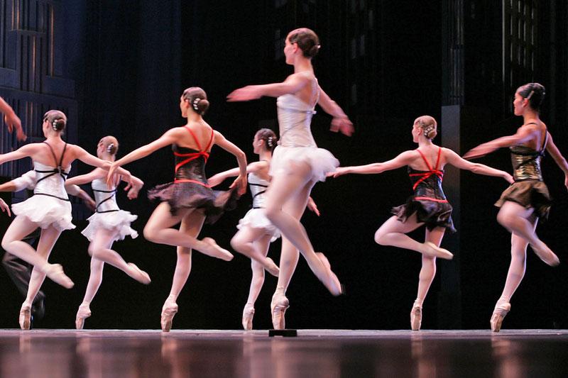 San Pietroburgo, la danza degli zar