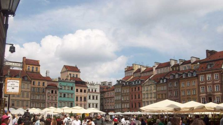 Foto Varsavia, città emergente
