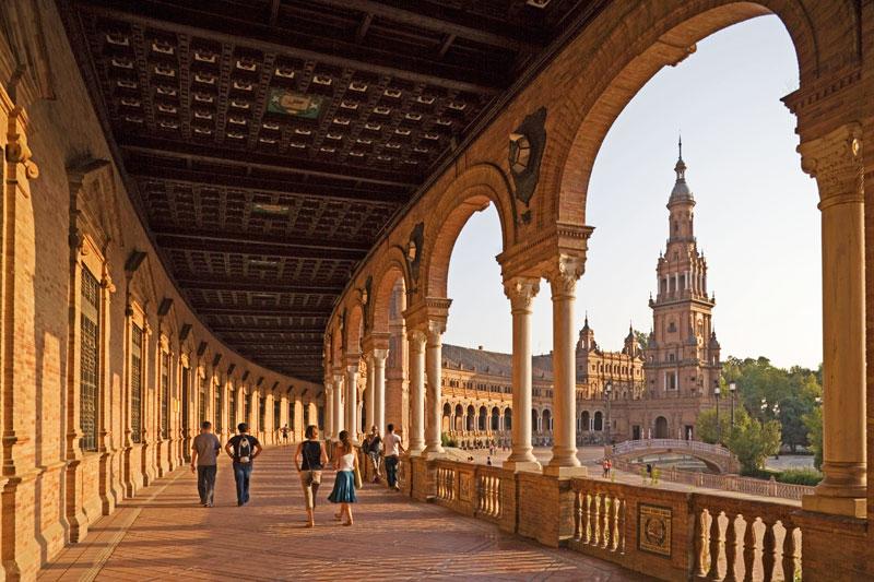 A Siviglia, tra festival, tapas e shopping a ritmo di flamenco