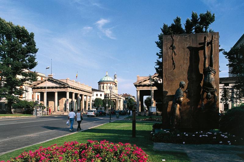 Bergamo: tour nella città bassa