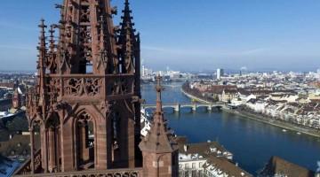 La spettacolare veduta sul Reno che si gode dalla cattedrale di Basilea (foto: swiss.image.ch)