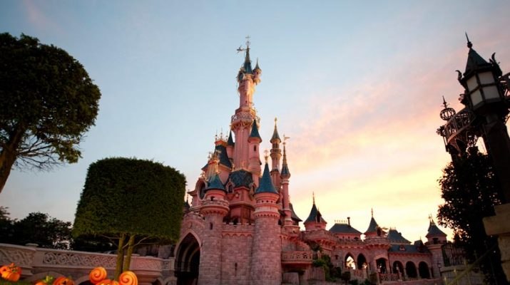 Foto Halloween a Disneyland Paris con i Cattivi in festa