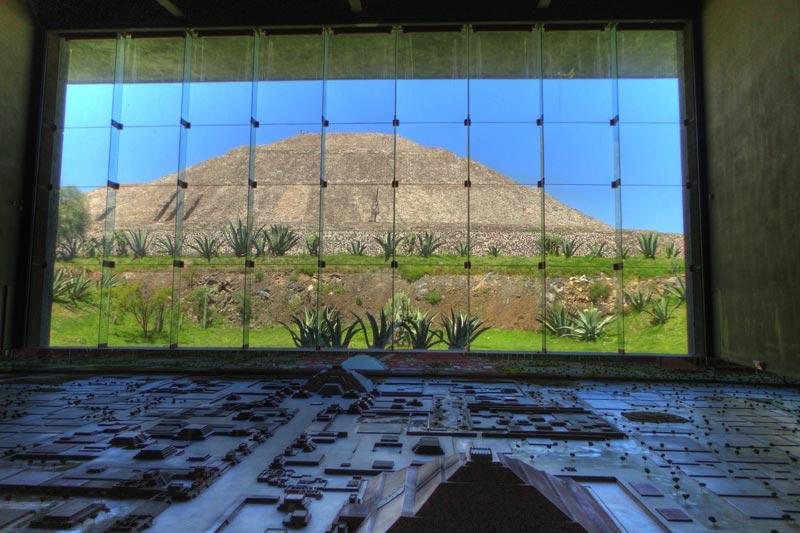 Il Messico dall'alto di un tempio