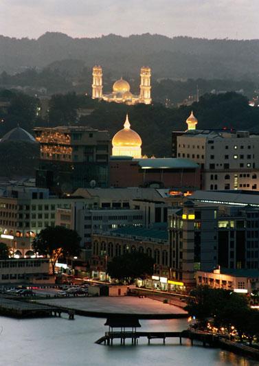 Brunei: invito a Palazzo