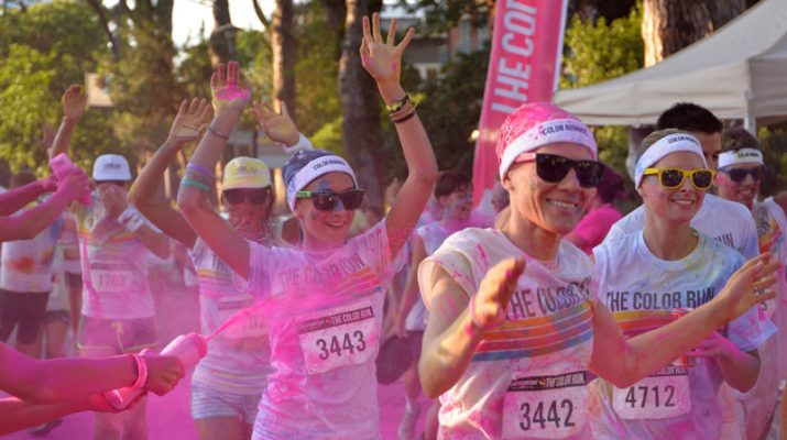 Foto Color Run: Milano diventa multicolor