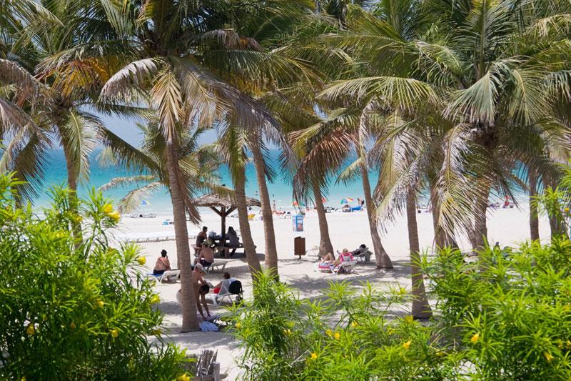 Sorprendente Dubai: un'estate di mare, shopping (con i saldi) e relax