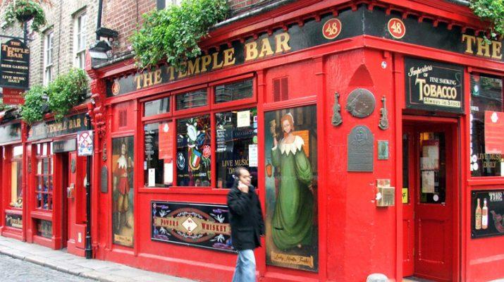 Foto A Dublino con Molly Malone, James Joyce e Oscar Wilde