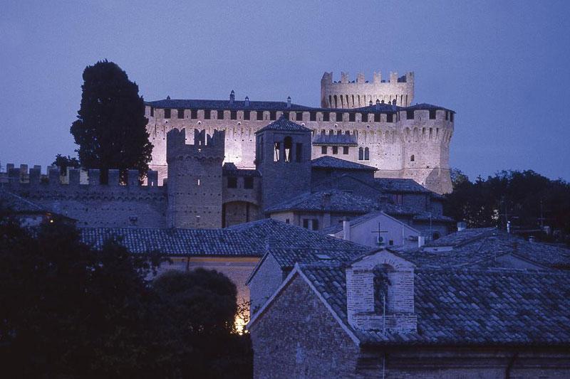Al Castello di Gradara come Paolo e Francesca