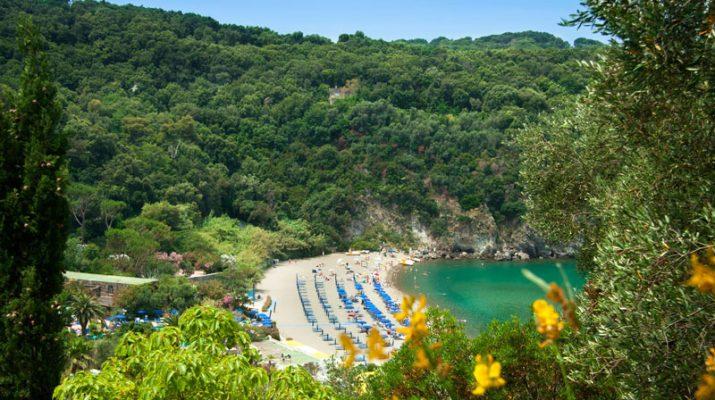 Foto Estate a Ischia, tra terme e folklore