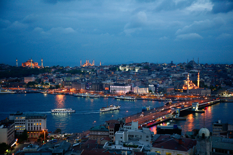 Istanbul, in una nuvola di vapore