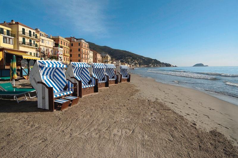 Liguria: spiagge aperte anche in inverno