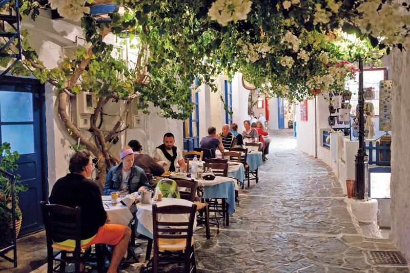 Milos, l'isola di luce e porcellana