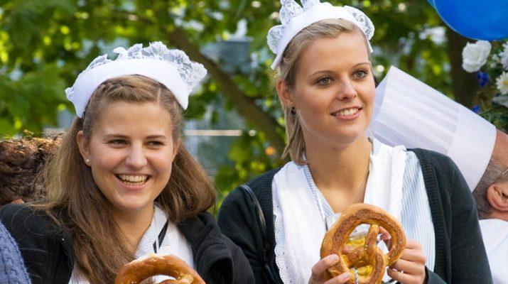 Foto Oktoberfest, e Monaco alza il boccale