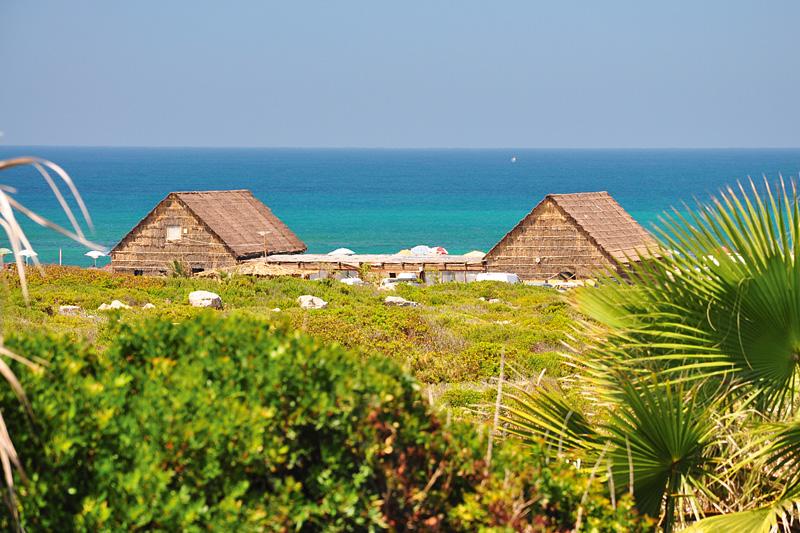 Autunno nell'Oristanese, tra spiagge deserte e mare caraibico