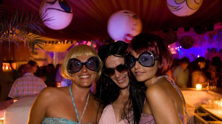 Foto Ibiza, party scatenati di fine estate