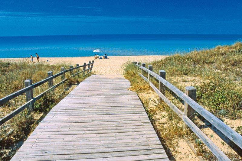 Matrimonio Spiaggia Puglia : Alla scoperta del salento dove viaggi