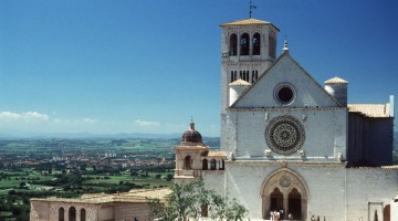 La chiesa di San Francesco in Assisi (foto Alamy/Milestone Media)