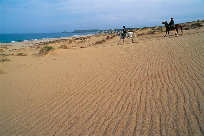 Inverno in Sardegna, tra buon cibo e passeggiate a cavallo