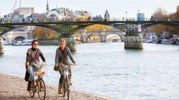 Foto Parigi: strategie low cost per un weekend indimenticabile
