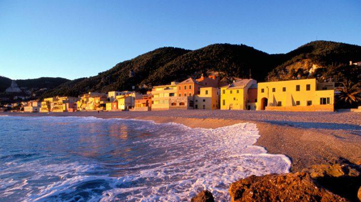 Foto Liguria by night in Riviera, la California dreaming italiana