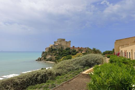 Sicilia: nel castello-spa sul mare