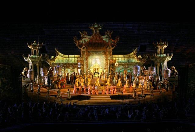"""""""Nessun dorma"""":  Turandot  all'Arena di Verona"""