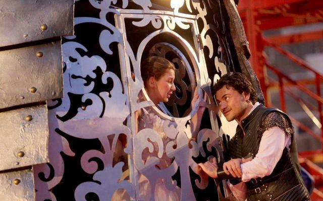 Foto Arena di Verona, Roméo et Juliette: tocca ai belli dell'amore