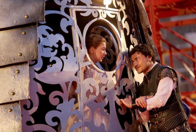 Arena di Verona, Roméo et Juliette: tocca ai belli dell'amore
