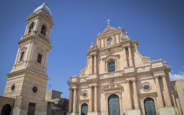 Foto A Ispica, dolci, cinema e barocco siciliano