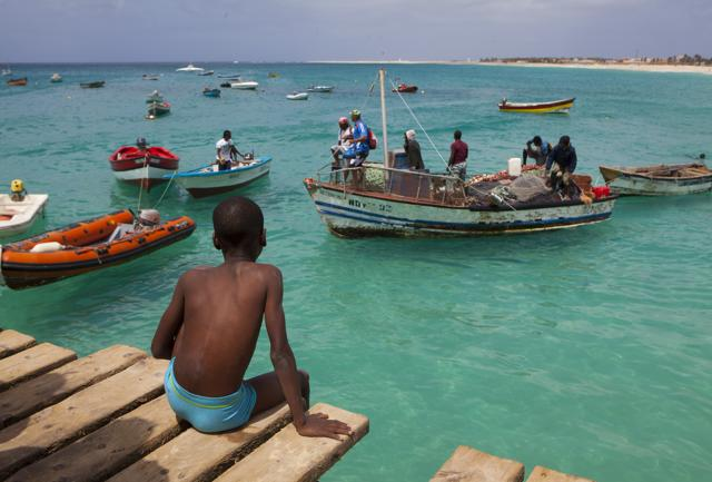 Capoverde: vacanze a ritmo lento, tra deserto e bagni da film