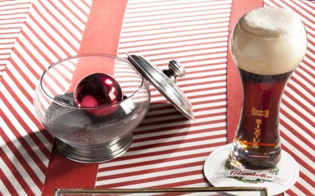 Foto Felsenkeller. A Merano, birra, ghiaccio e alta cucina