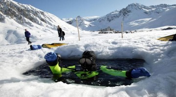 tignes-ice-diving-kAa-U43050532100583XIG-960×451@Viaggi-Web