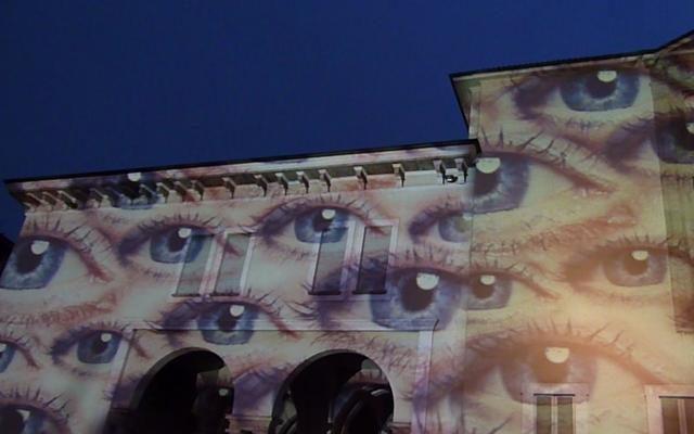 Foto Lo sguardo è arte. Il progetto social-light al Museo della Scienza di Milano