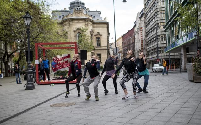 Foto Budapest: musica in tutta la città. E notti scontate