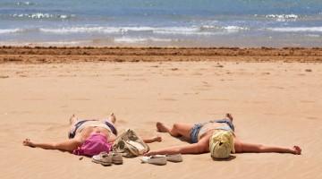 A settembre il clima è favorevole e i turisti chiassosi hanno lasciato pace e relax per chi ha voglia di godersi in pace le coste spagnole (foto: Alamy/Milestonemedia)