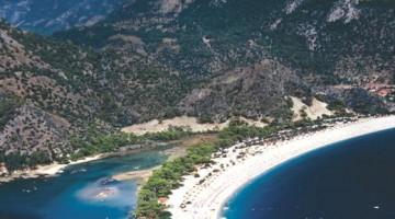 Lagune e lingue di terra sulla costa di Fethye, dove soffia il Meltemi turco