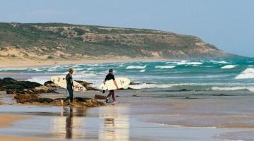 Surfisti sulla Waitpinga Beach (foto: Johnny?Janusz Kamma/©Fleurieu Peninsula Tourism)