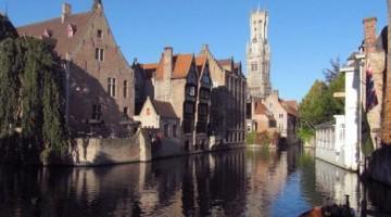Bruges: primavera in barca tra i canali