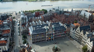 Anversa è il centro nevralgico delle Fiandre (foto Alamy/Milestonemedia)