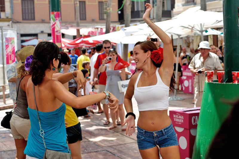 L?alternativa andalusa alle vicine e battute Siviglia, Cordoba e Granada è Malaga, dal clima sempre caldo e festoso (foto: Alamy/Milestonemedia)