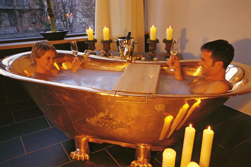 Bagno romantico in due un bagno nel fieno per ritrovare l - Bagno romantico ...